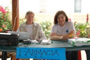 Das Team von der Apotheke: Michael Tierney und Reinhild Holthaus
