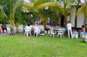 Eine Klinik unter Palmen