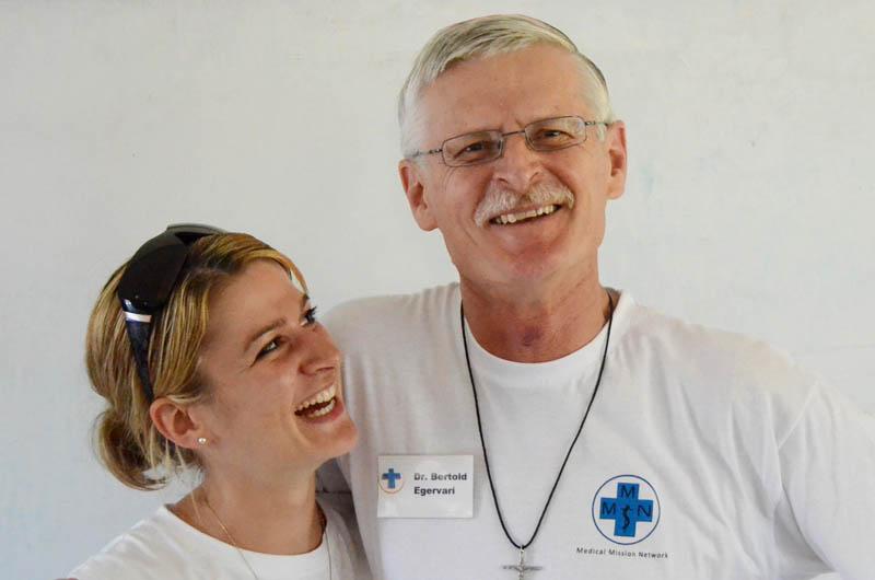 Sylvia Egervári, Bertold Egervári Dr. Bertold Egervári, Allgemeinarzt, war bisher bei fast allen Einsätzen dabei. Seine Tochter Sylvia spricht fließend Spanisch und arbeitet für uns als Übersetzerin.