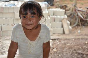 Doch was wird aus diesem Mädchen werden? Hat es die Chance auf eine bessere Zukunft?