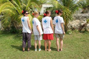 Trotz Hitze gut gelaunt: Susanna, Carolin, Marie und Katharina.