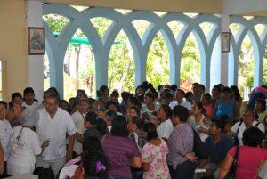Der Einsatz in Cancun war sehr anstrengend, denn es kamen sehr viele Patienten. Wir arbeiteten bis spät in den Abend.