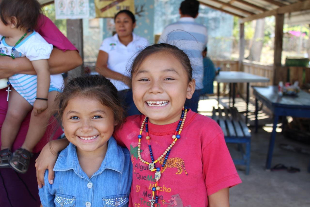 Zwei Mädchen aus Ávila Camacho