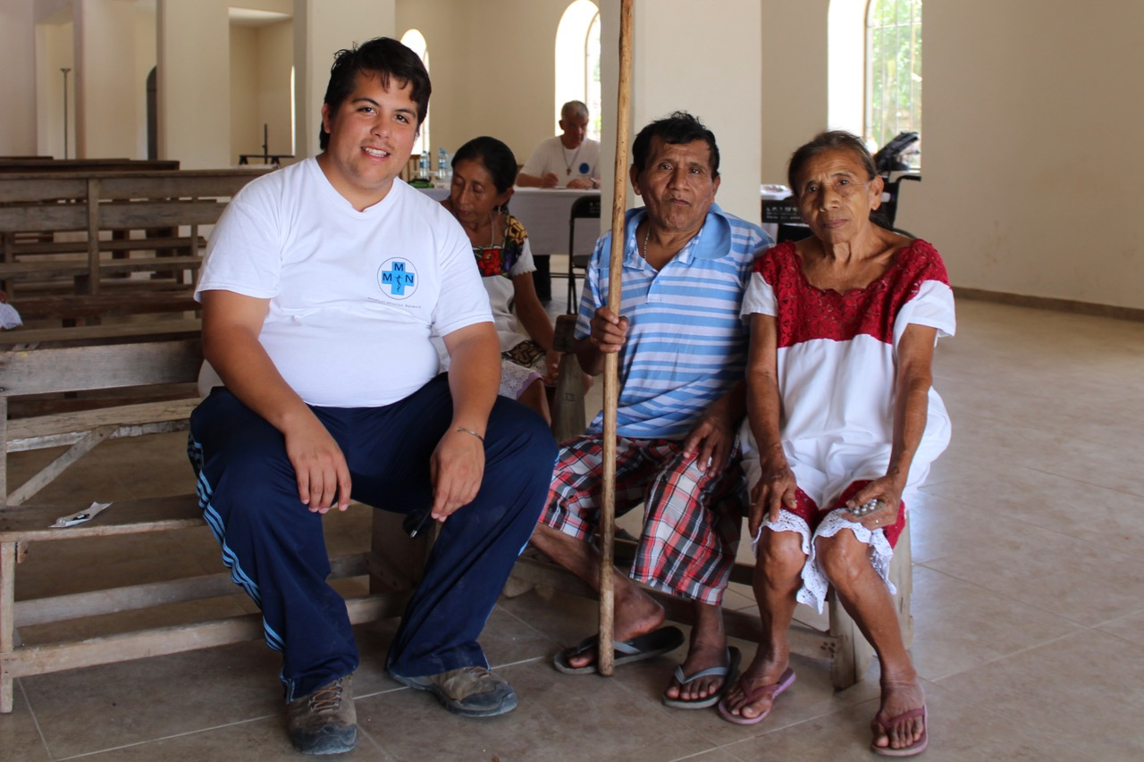 Dr. Juan Pablo Aguilar Mendoza, Juan und seine Mutter
