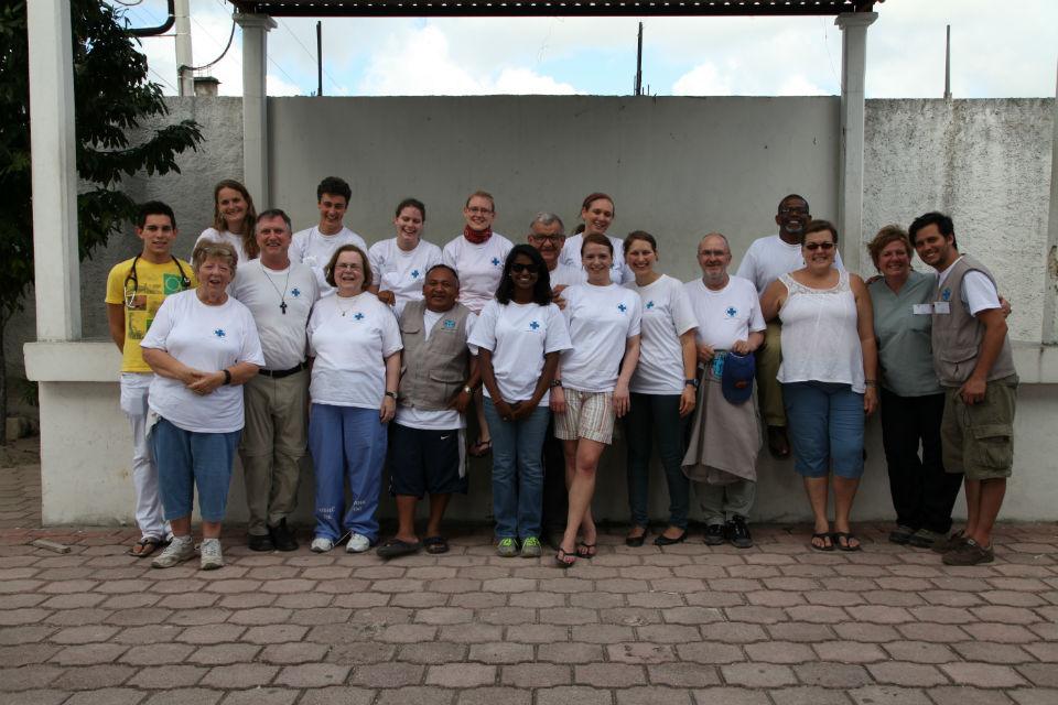 Dieses Jahr finden mehrere Einsätze in Quintana Roo statt. Vor drei Tagen hat der zweite begonnen. In dieser kurzen Zeit sind wir  schon zu einem Team geworden.